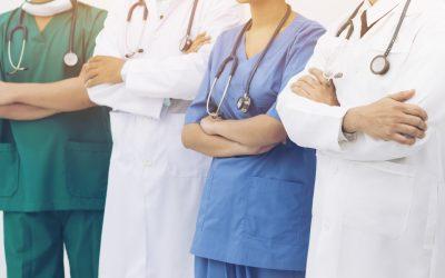 Sanità: in Italia mancano 16 mila camici bianchi